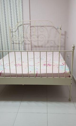 🚚 Queen Size Bed with Frame - $80  ONLY!