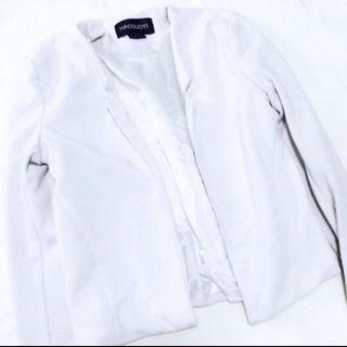 #EndgameYourExcess Casual white blazer