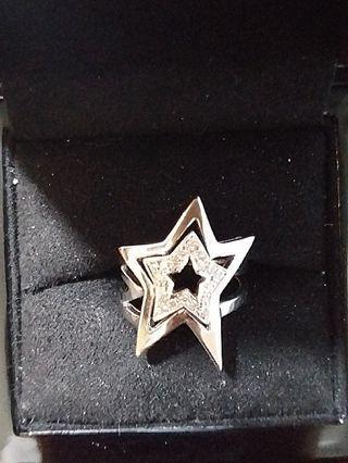 18K白金碎鑽星星介