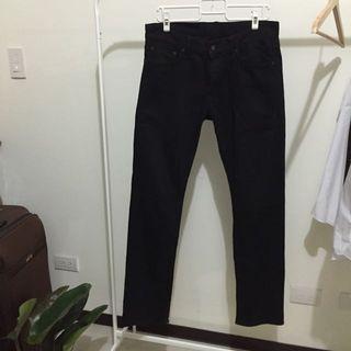 🚚 Uniqlo 黑色長褲