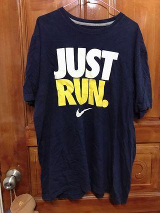 🚚 Nike run棉t