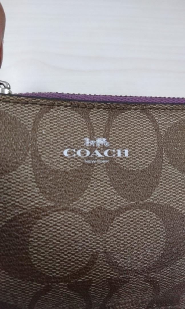 Coach key pouch size 13x9 in multi ( bisa jadi dompet stnk, kunci mobil dan card holder untuk tas kecil)