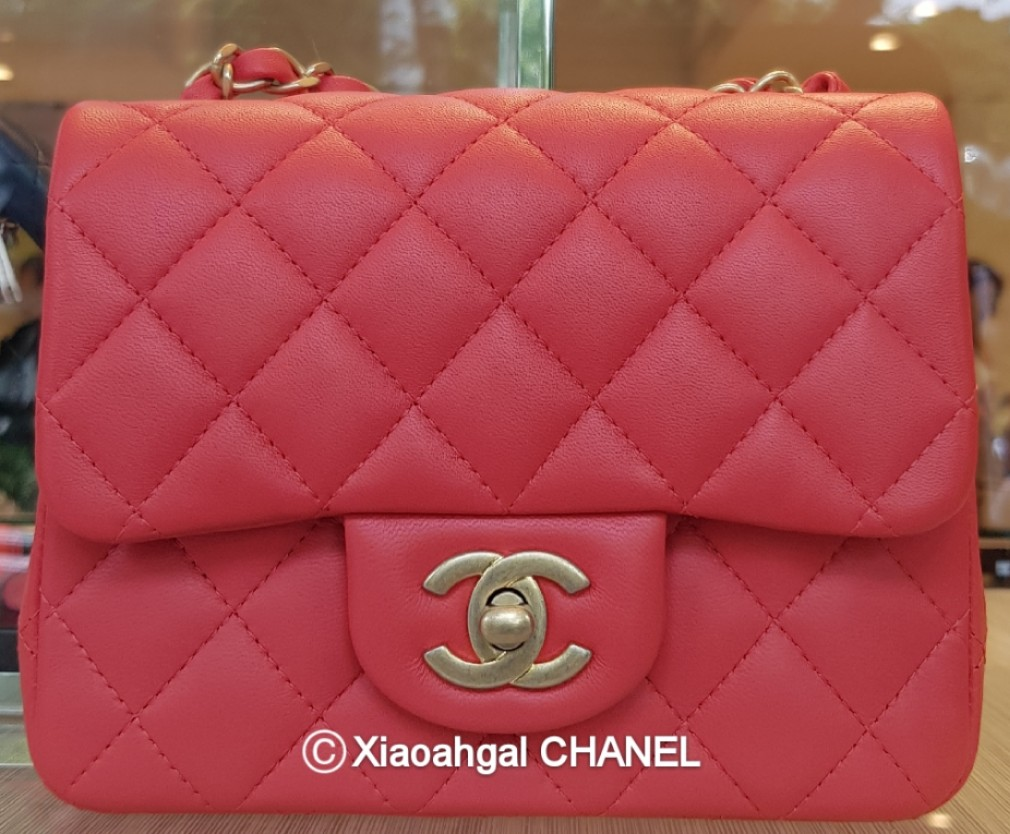 0743da3bcdb5 QYOP• Chanel limited edition brushed gold hardware red mini square ...