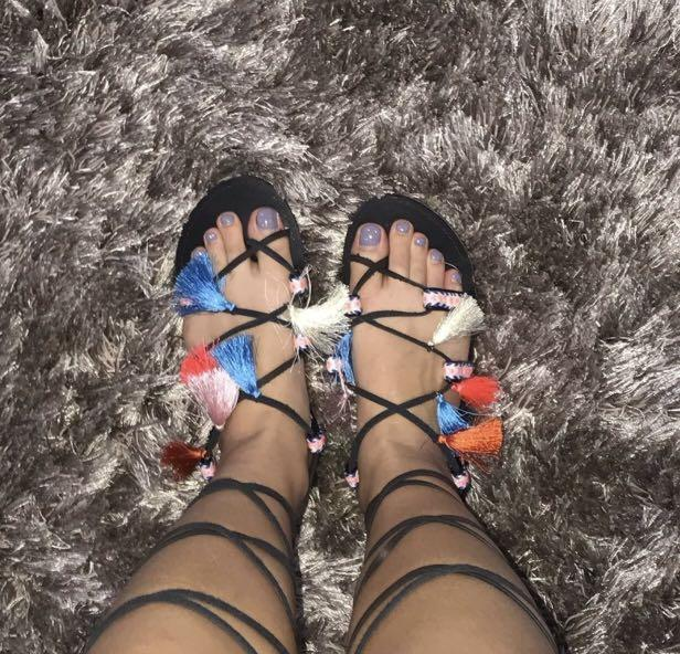 Sandal tali pantai