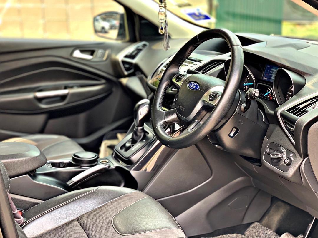 SEWA BELI>>FORD KUGA 1.6 AUTO TURBO SUV SPEC 5 SEATS 2015