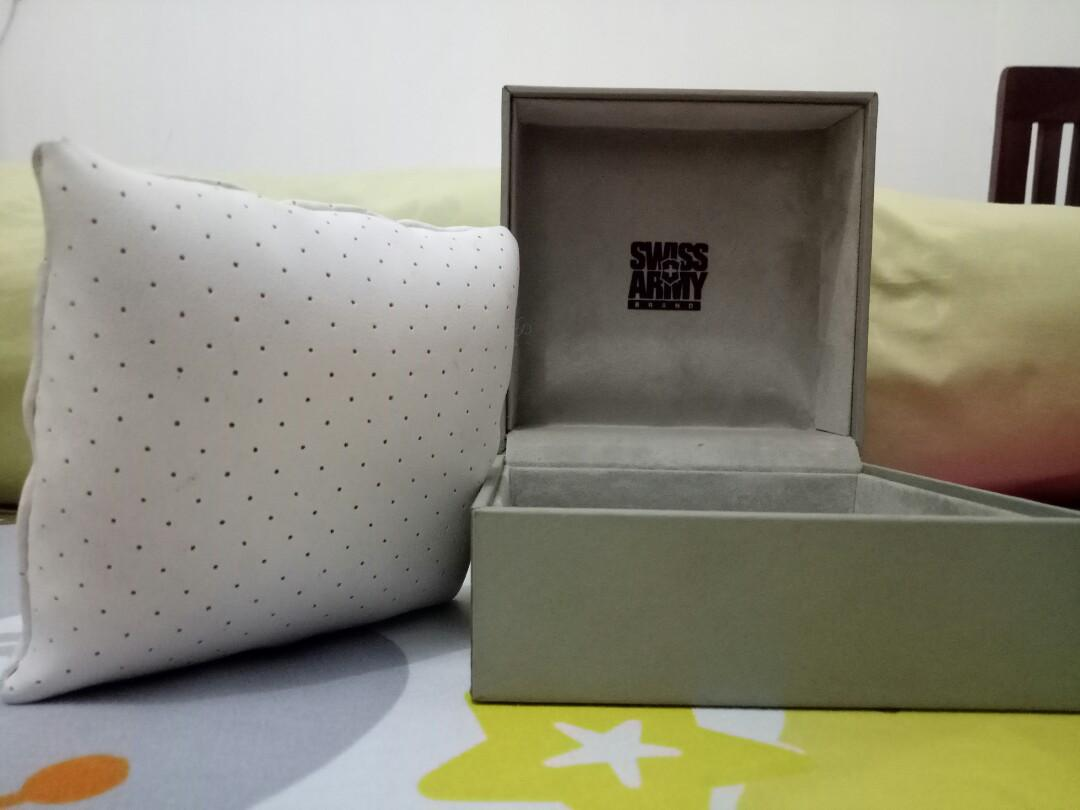 Swiss army box