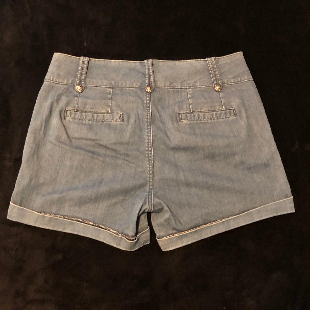 WITCHERY denim shorts size M-L fits 12-14 as stretchy