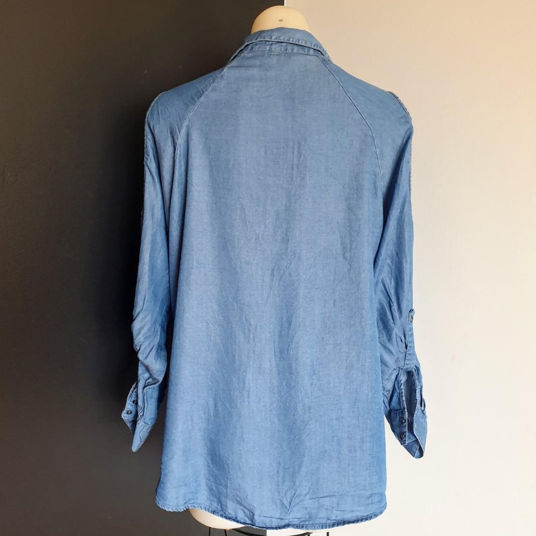 Women's size 16 'RIVERS' Gorgeous cold shoulder denim shirt - AS NEW