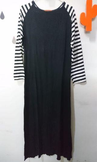 Dress Hitam Garis