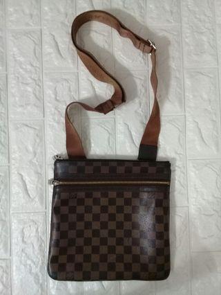 Louis vuitton sling bag (item bandle)
