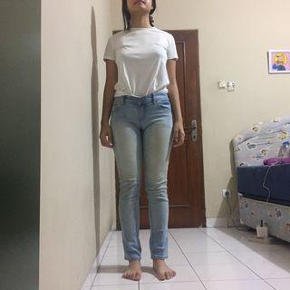 Light Washed Blue Jeans