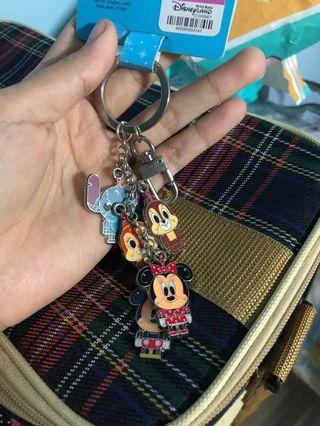 Gantungan kunci disney