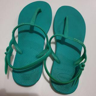 📮Free NORMAL postage ❤PreLoved Authentic Green Havaianas Slippers/ Sandals