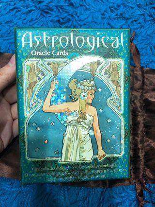 🚚 Astrological oracle decks