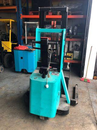 Used stacker 1 ton