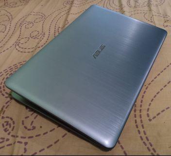 Laptop ASUS X540YA AMD E1-7010 R2