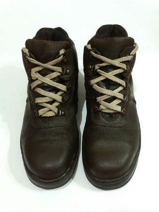 Sepatu Boots Safety K2