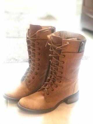 Steve Madden soft leather boots size 5