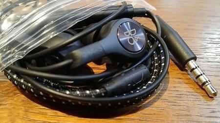 全新貨品 LG V30+ B&O play 原裝耳筒 每件$170