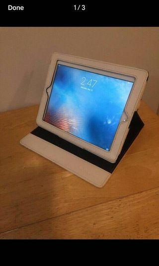 32GBs 2nd Generation Apple Ipad