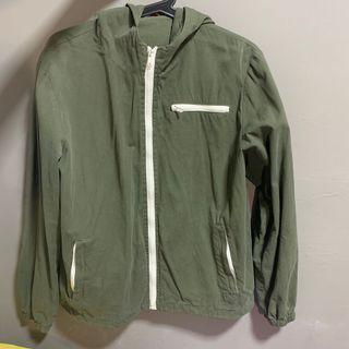 🚚 Brandy Melville Forest Green Krissy Jacket