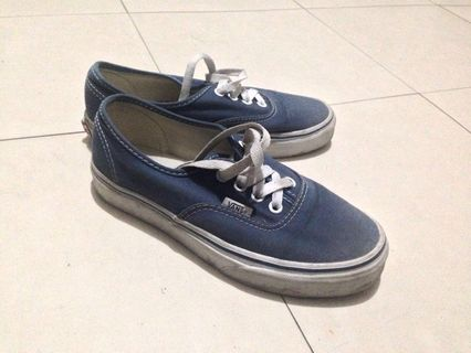 6a1fbe9e2c Original Vans Sneakers Blue Size 5.5