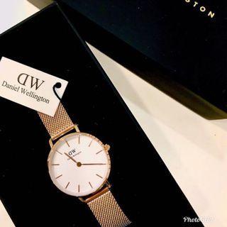 🚚 100% authentic DW Daniel Wellington watch