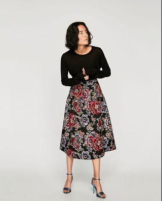 ZARA WOMAN Floral Embroidered Midi Skirt