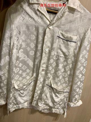 超少量 Lv x Supreme 絲綢刺繡 襯衫 睡衣 版型超大 XS號 極新 訂價近五萬台幣