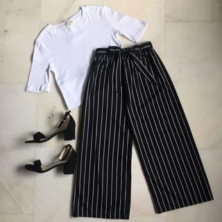 Striped culottes/ Working pants/ Formal pants/ Basic pants/ Black and white pants / Thin stripe pants/ Pants with belt/ Three quarter pants/ Wide leg pants/ Fabric pants