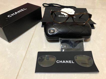 Chanel玳瑁皮革光學眼鏡