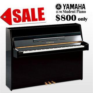 🚚 Yamaha student piano fast deal only $800 LU90 free piano bench chair