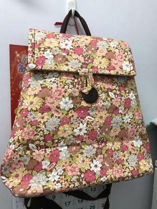 泰國製花花袋 四種背法