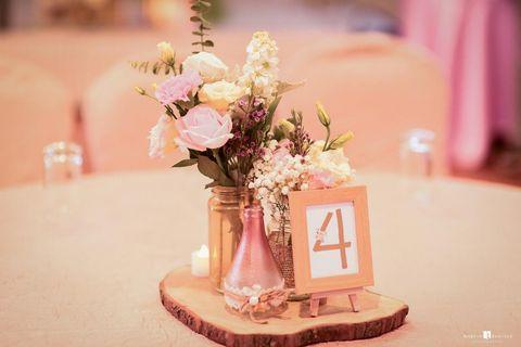 🚚 Designed table numbers with frame for RENT