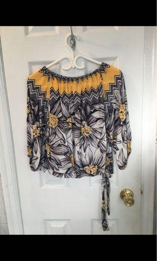 Off the Shoulder Floral Side Tie Top Size Medium