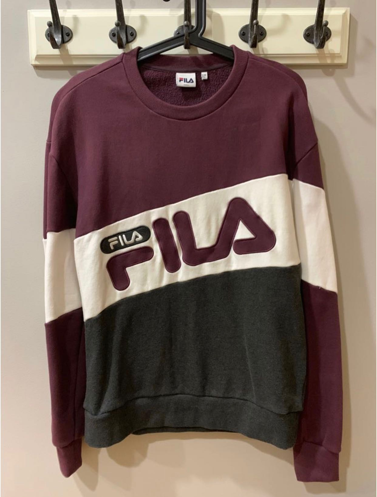 a06fc06502a8 100% AUTHENTIC FILA MAROON OVERSIZED SWEATER, Women's Fashion ...