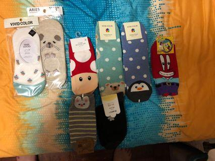 🚚 WTS CUTE KOREAN SOCKS