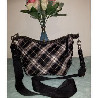 Pre owned authentic BURBERRY blue label crossbody
