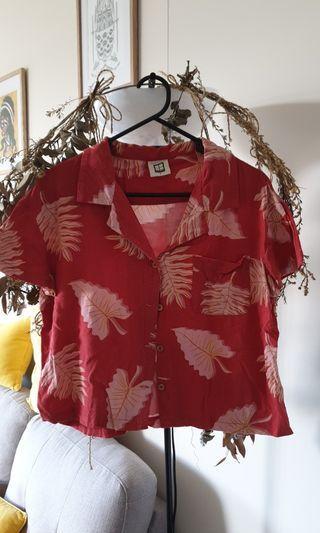 Insight brand boxy Hawaiian print crop