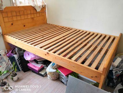 特格松木4呎床架