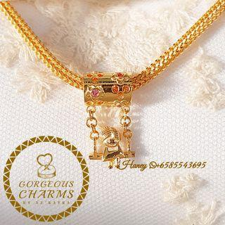 916 Gold Charm Honey Swing Beads