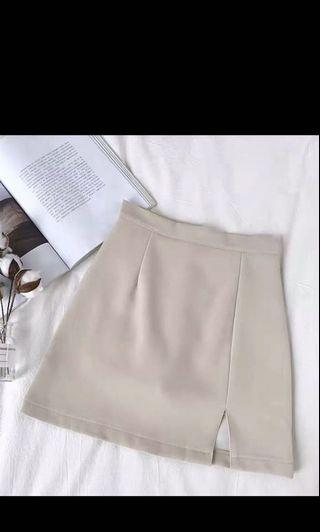 🚚 cloth beige skirt (can be used for formal events)