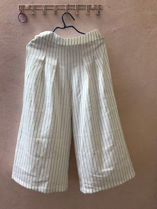 White Stripe Pleated Pants