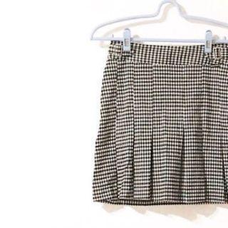 九成新 品牌裙 ❤️❤️❤️❤️ 黑白格紋百褶 魚尾短裙 金屬扣 太陽裙 窄裙 魚尾裙