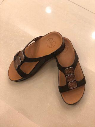 🚚 FitFlop Pietra II Slide Chocolate Brown Sandals