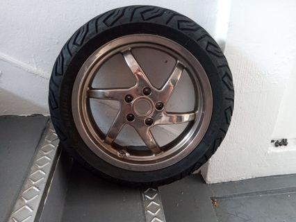 Gilera st200 chrome rear wheel with installation.