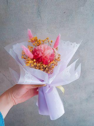 🚚 乾燥花 康乃馨 母親節禮物 花束 滿天星