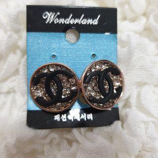 Earrings double C