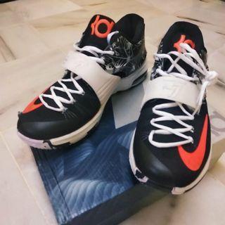 Nike Zoom KD7 Basketball Sneakers