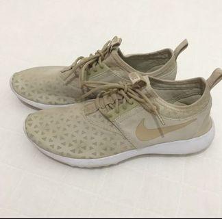 Nike juvenate original